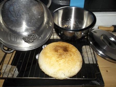 Auf Teelichtern gebackenes Brot