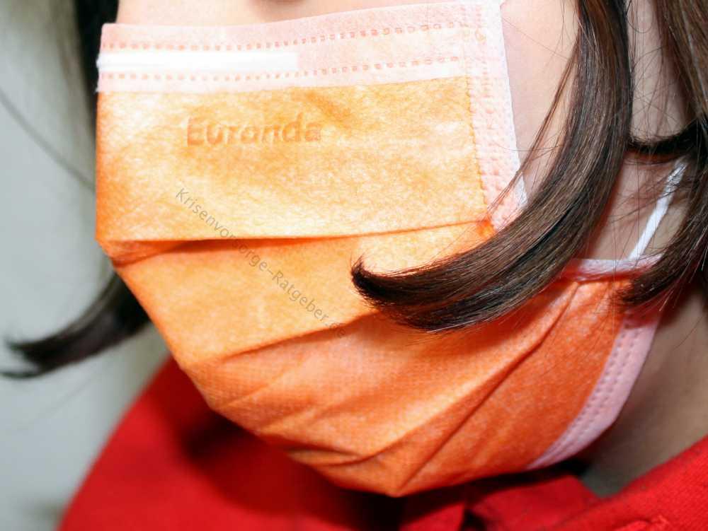 Virenschutzmaske richtig tragen - rundum ans Gesicht anpassen